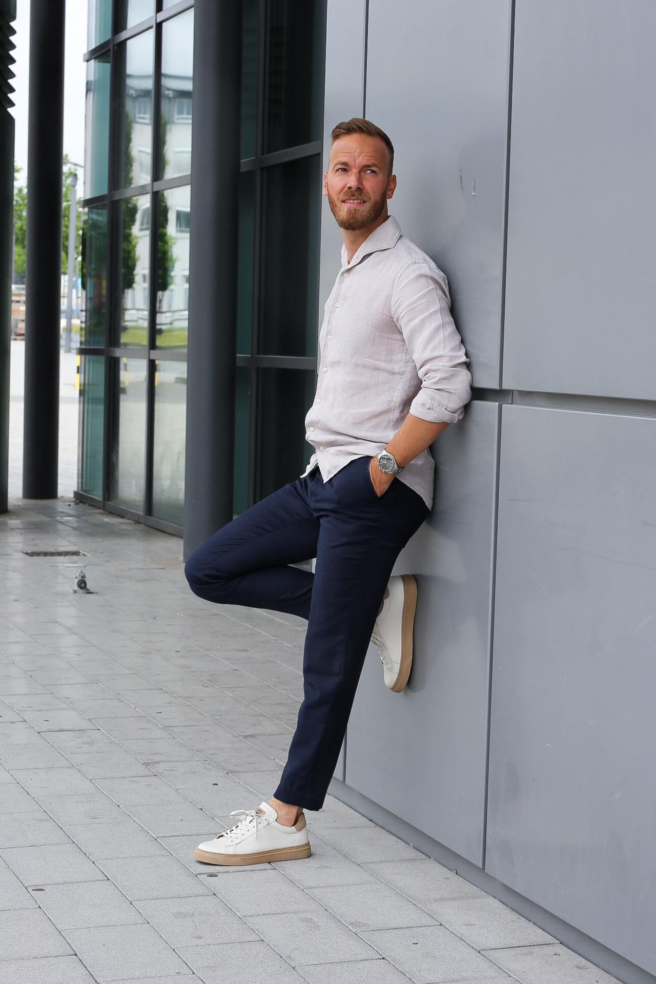 Smart Casual Look mit Sneakers von Henry Stevens menswear mensfashion menwithclass gentleman style gentlemen outfit ootd herren herrenmode Hochzeit männer anzug