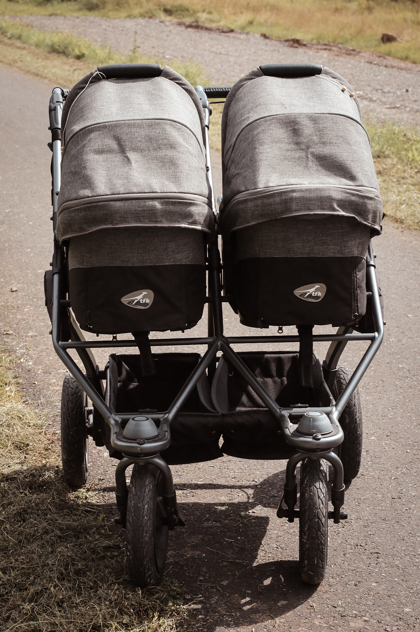 Wie wir den richtigen Kinderwagen für unsere Zwillinge gefunden haben - tfk duo Kombikinderwagen Zwillingseltern Eltern #wirwerdeneltern #kinderwagen #zwillingskinderwagen #zwillingseltern #parentstobe #eineiigezwillinge #elternwerden #elternzeit Familie